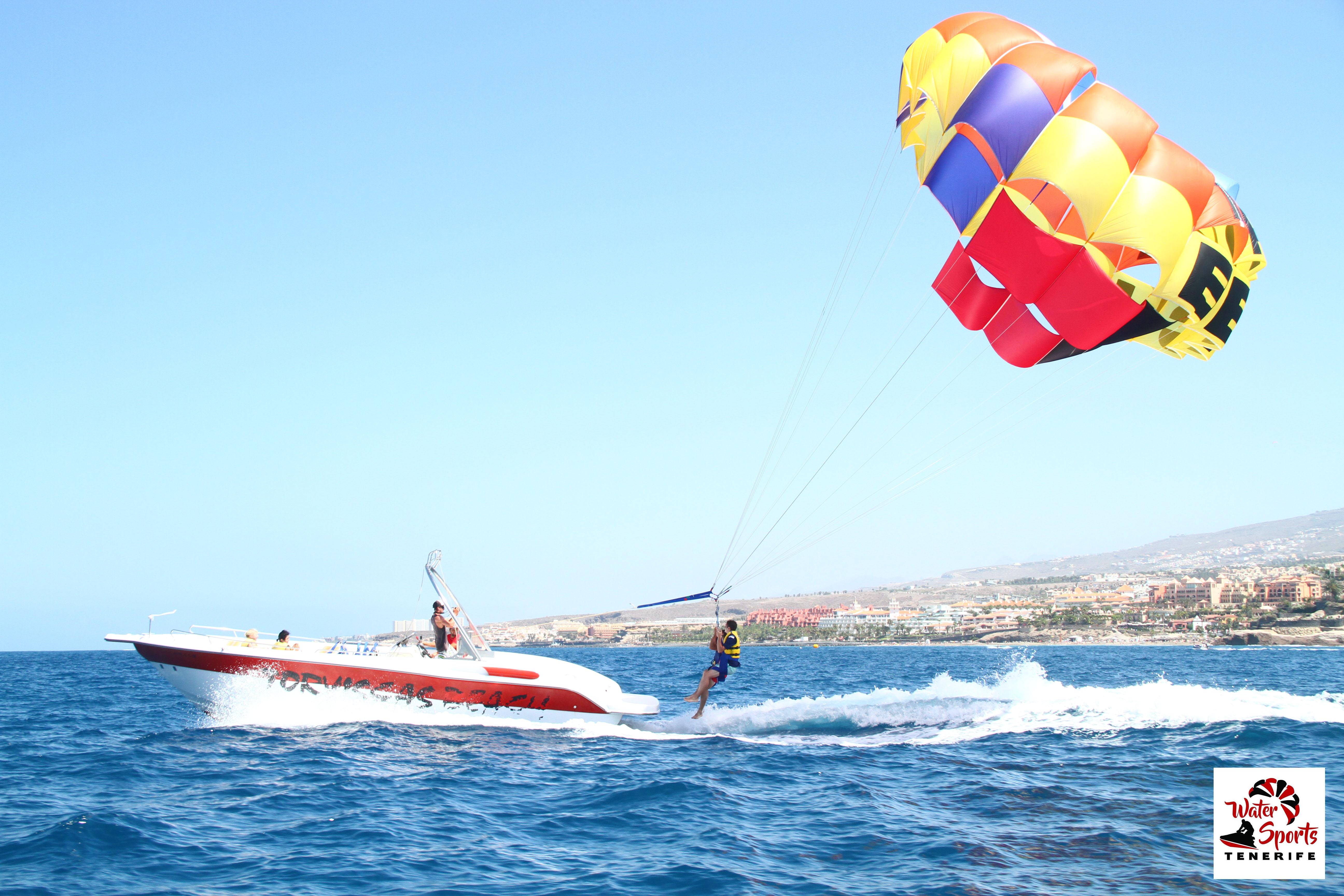 paracadute parascending paesaggio incredibile in los cristianos las americas