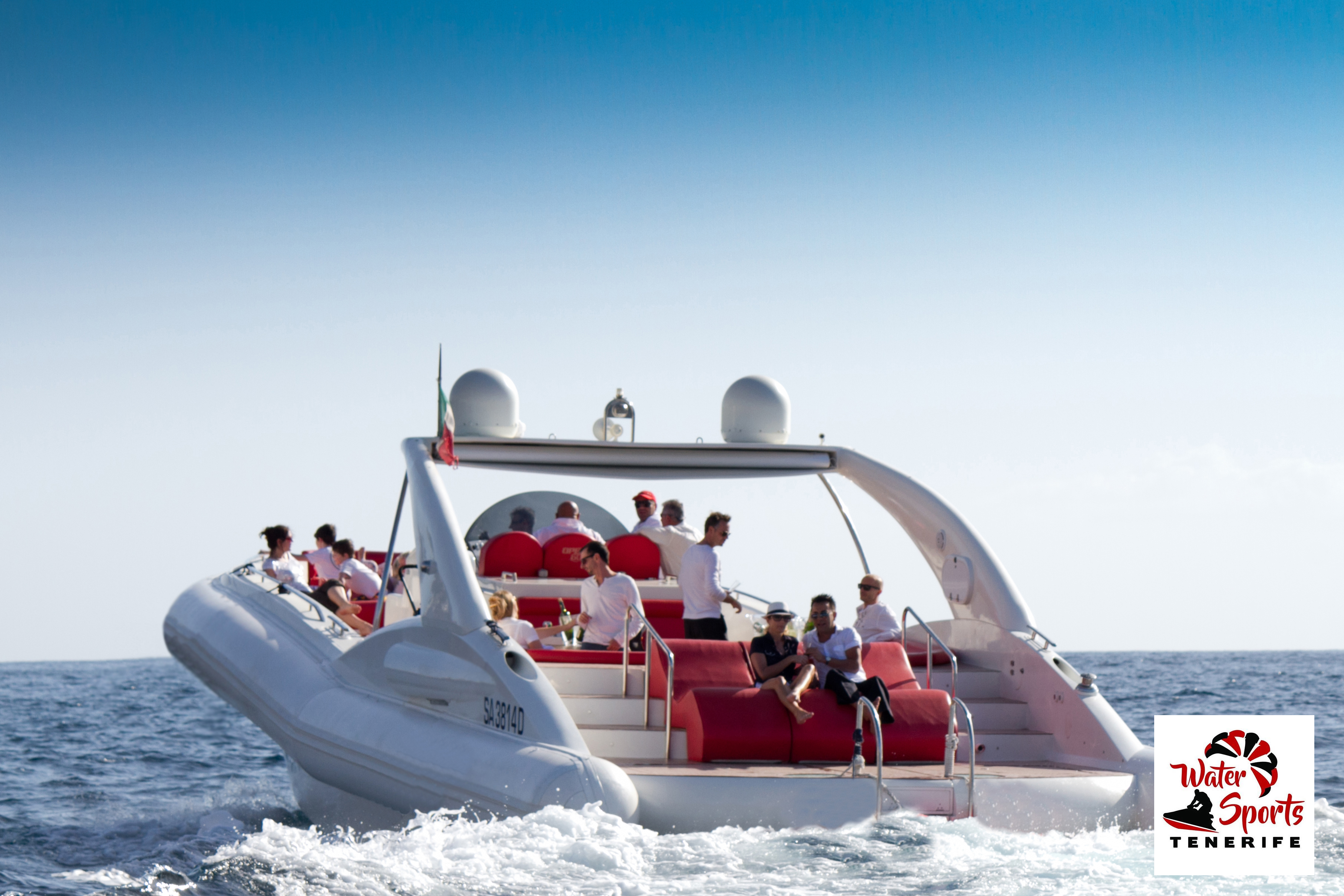sea riders excursions speedboats in fañabe el medano water sports and activities
