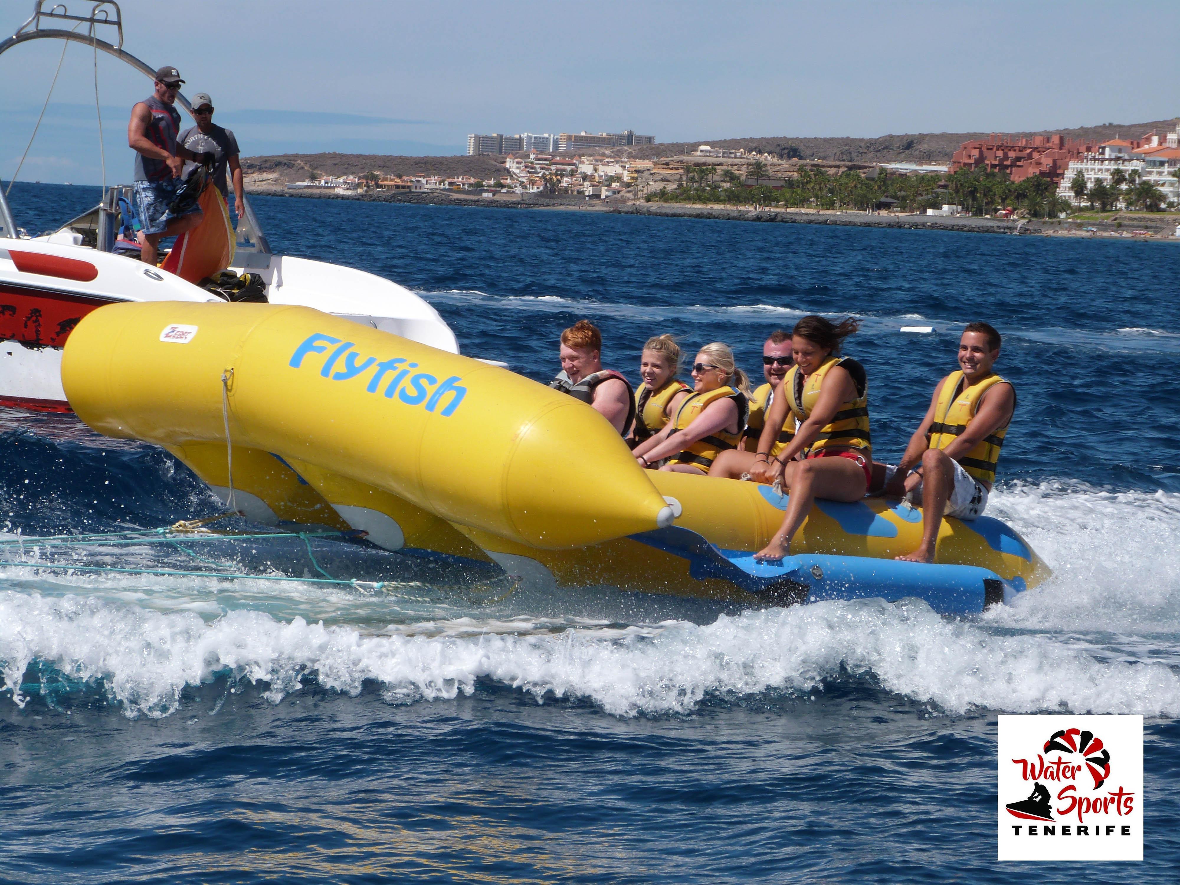 banana pez volador atraccion en costa adeje puerto colon