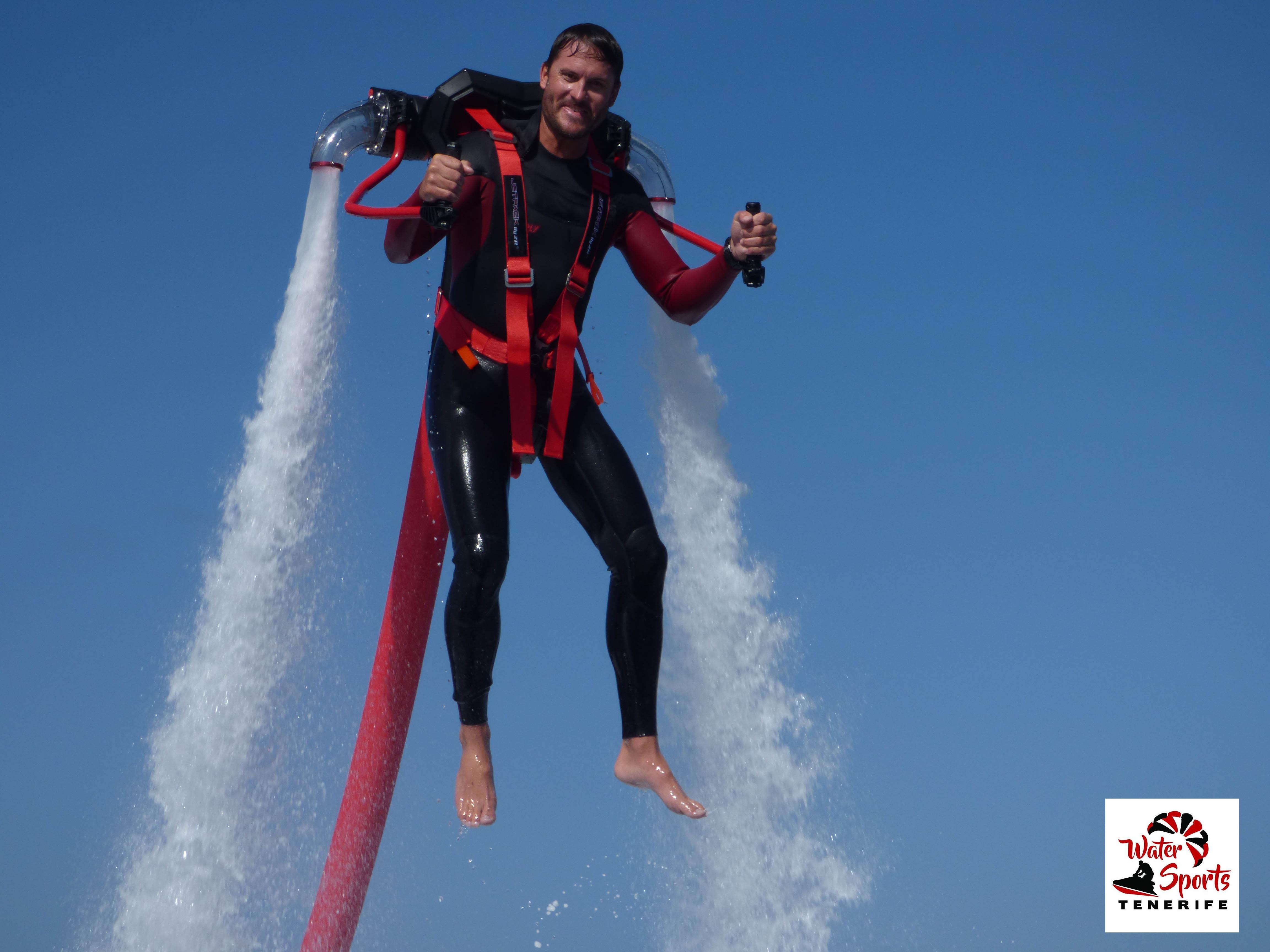flyboard attivita acquatica in fañabe nel medano