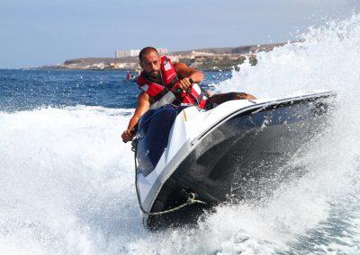 moto de agua barco de water sports los cristianos